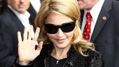 Überraschendes Beziehungs-Aus bei Madonna! Die Sängerin hat sich von Trainerin Tracy Anderson getrennt. Madonna: Trennung von der Mucki-Frau - Foto: GettyImages
