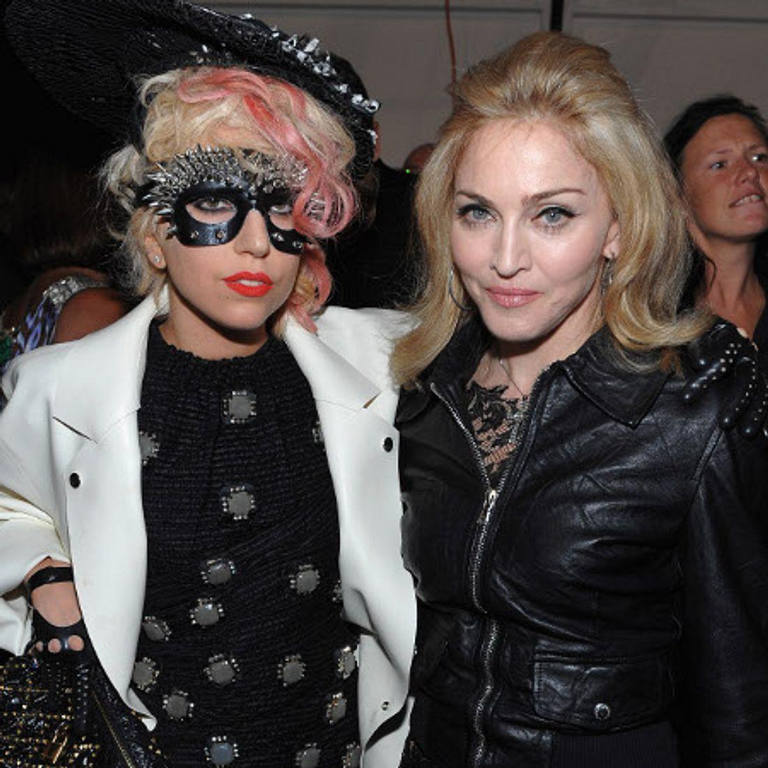 Die Läster-Attacken der StarsEs scheint Pop-Queen Madonna (53) nicht besonders gut zu gefallen, dass die knapp 30 Jahre jüngere Lady Gaga (26) an ihrem Thron sägt. Offenbar hat Madonna den Eindruck, dass ihre Konkurrentin sie in ihrem Stil