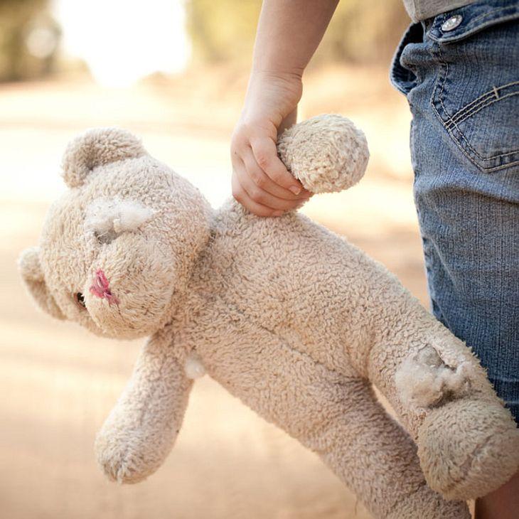 Schrecklich! Mann entführt und missbraucht Mädchen (11)