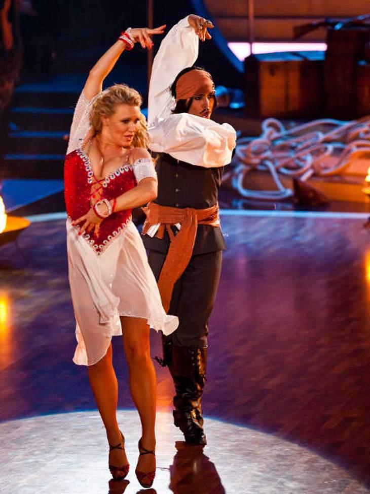 """""""Let's Dance"""" 2012 - Die HighlightsBeim Freestyle traten Magdalena Brzeska (33) und Erich Klann (24) im """"Fluch der Karibik""""-Look an."""