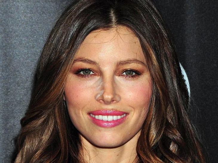Die Make-Up-Pannen der StarsJessica Biel (30) hat etwas zu tief in den Pudertopf geguckt und später nicht noch mal in einen Spiegel.