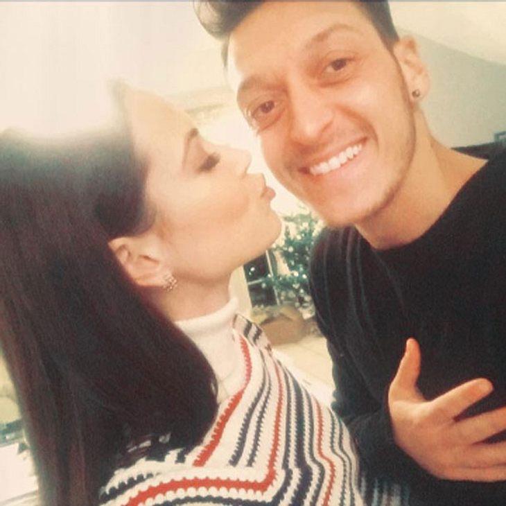 Mandy Capristo Mesut Özil