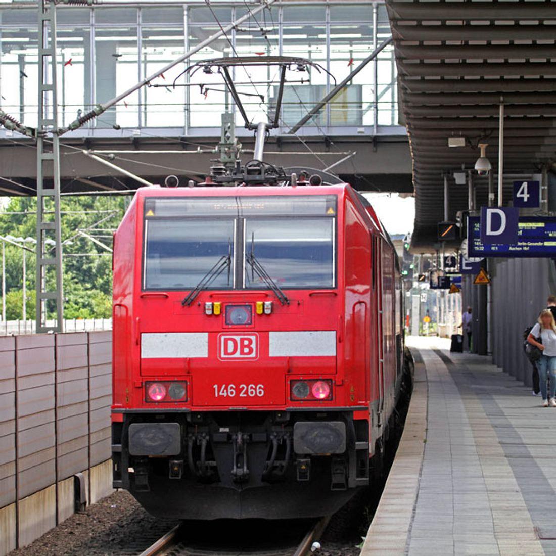 Schock-Video: Mann wird vom Zug eingequetscht!