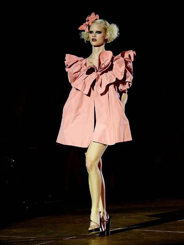 Aber Marc Jacobs kann auch verspielt und extravagant.