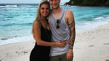 Marco Reus steht seiner Freundin bei