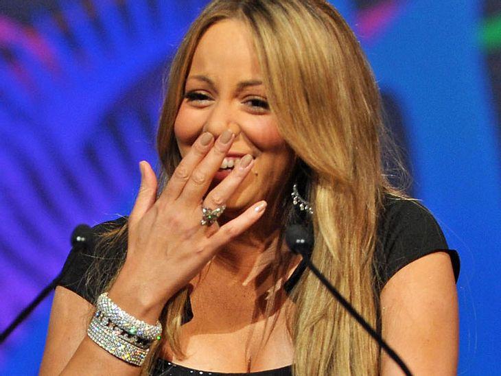 Mariah Carey  steht Jennifer Lopez aber in kaum etwas nach: Sie wünscht zwei Assistenten, die sie nach dem Bad im Meer abtrocknen und einen festen Assistenten, der ihre Kaugummis entsorgt. Mariah badet nur in französischem Mineralwasser, fü