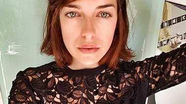 Marie Nasemann zeigt sich total happy mit neuer Frisur! - Foto: facebook.com/MarieNasemann