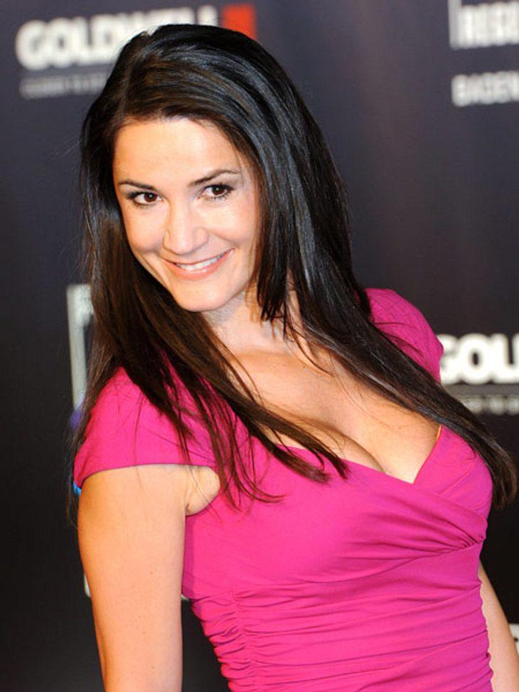 Stars und ihre DoppelgängerDoppeltes Lottchen - die deutsche Schauspielerin Mariella Ahrens (43) hat nicht nur ein ähnliches Gesicht, sie trägt auch noch die gleiche Frisur wie...