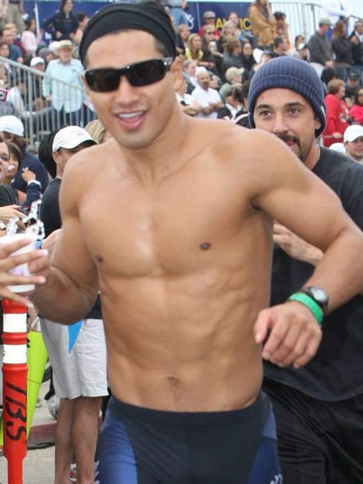 """Stars nackt: Heiße Promi-Männer oben ohne Mario Lopez (Host von """"America's Best Dance Crew"""") arbeitet ständig aktiv an seinem Traum-Body. Das lohnt sich allemal ..."""