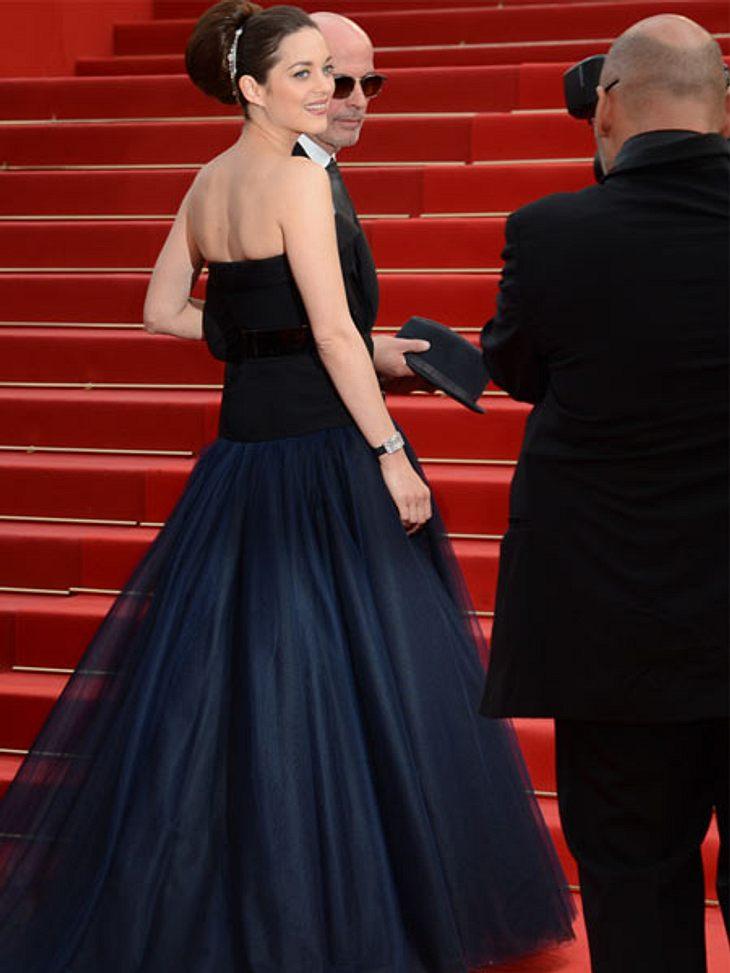 Cannes 2012...abends schlüpfte sie in eine mondäne Robe - ohne Schleppe, die einen ganzen Stab an Assistentinnen gebraucht hätte.,Mehr tolle Star-Roben >>