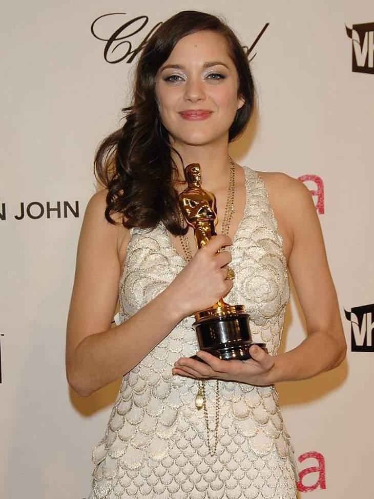 Stars und ihre DoppelgängerWir gehen aber davon aus, dass Milas Freund Ashton Kutcher (34) Marion Cotillard sofort auf die Schliche kommen würde...