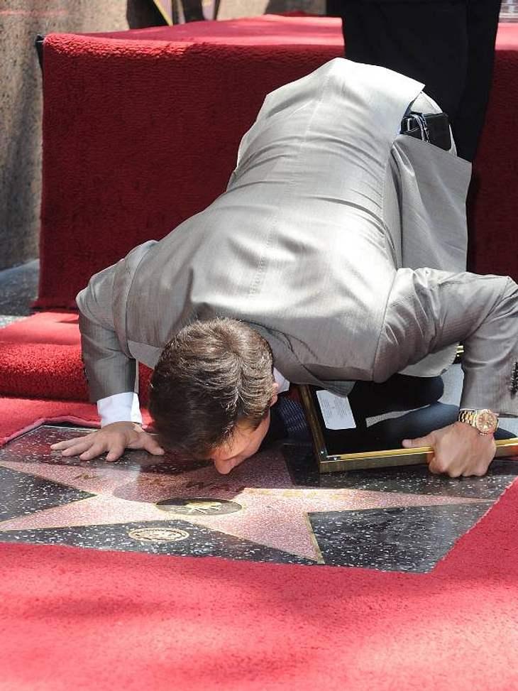 Walk of Fame: Die Sternstunde der Stars,Einen dicken Knutscher für seinen Stern gab es von Mark Wahlberg im Jahr 2010.