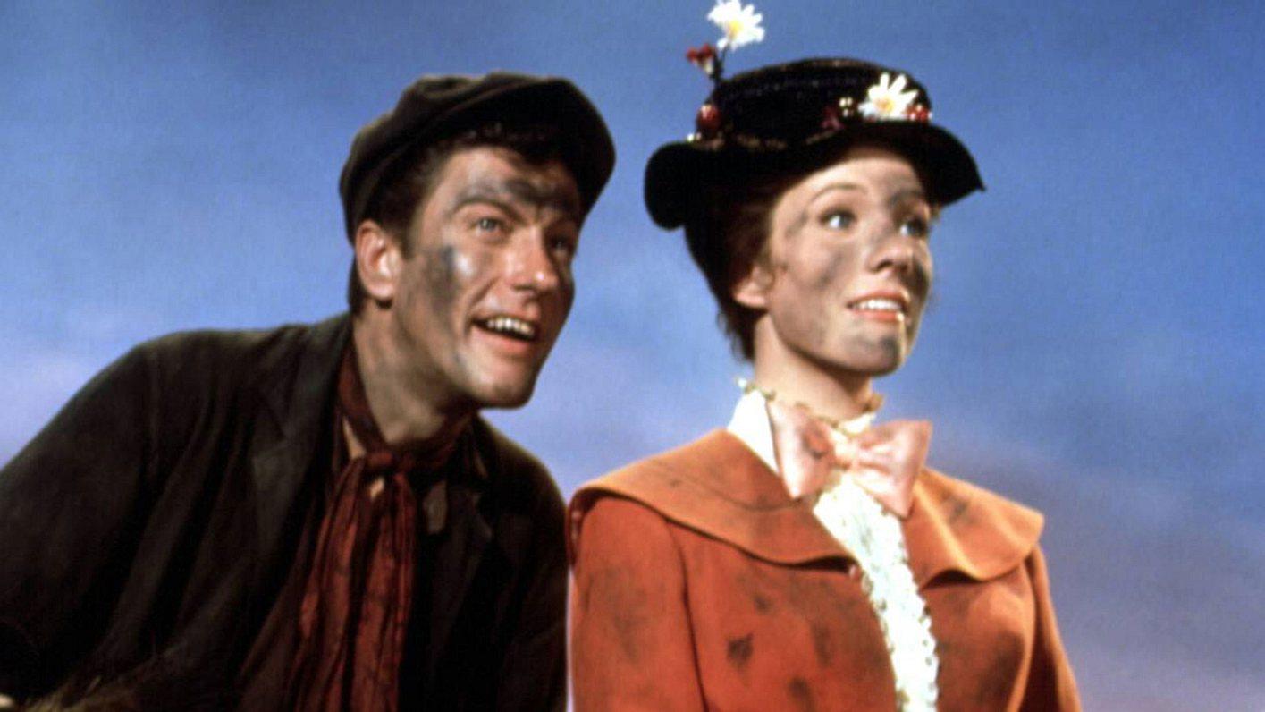 Kindermädchen Mary Poppins und Schornsteinfeger Bert im Disney-Film