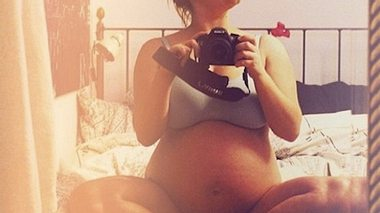Marylu Poolman: Babybauch-Schau in Unterwäsche - Foto: Instagram / Marylu Poolman