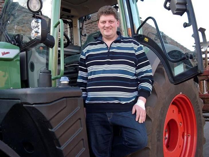 """""""Bauer sucht Frau"""" - Die Kandidaten 2012Der romantische Rinderwirt Matthias (35) kümmert sich mit seiner Familie um den Hof in Nordrhein-Westfalen. In seiner Freizeit unternimmt er am liebsten ausgedehnte Naturspaziergänge. Doch e"""