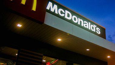 Krass! Bei McDonalds gibts jetzt Schoko-Pommes - Foto: gettyimages