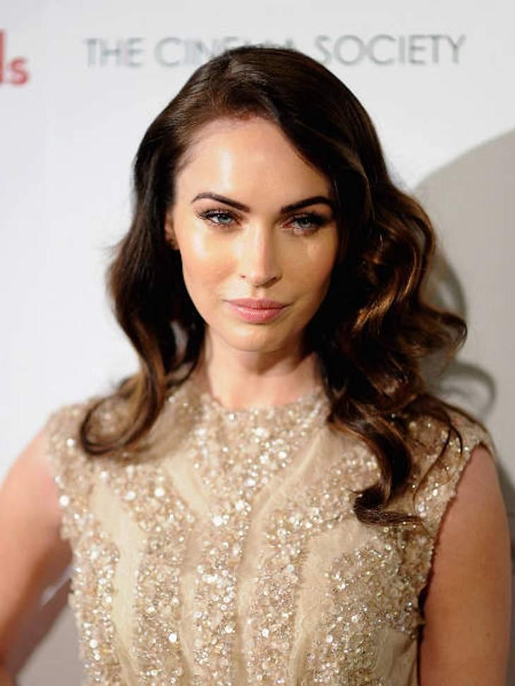 """Megan Fox zeigt sich in """"Immer Ärger mit 40"""" von ihrer besten Seite."""