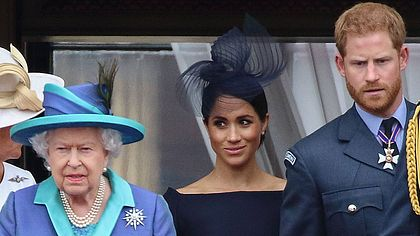 Meghan Harry und die Queen - Foto: imago images / APress