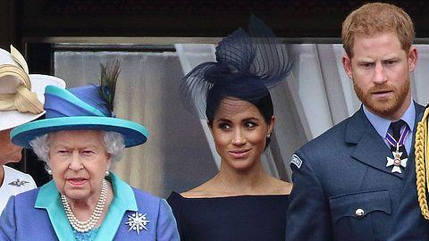 Meghan Harry und die Queen - Foto: imago images / APress