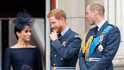 Herzogin Meghan, Prinz Harry und Prinz William - Foto: Max Mumby/Indigo/Getty Images