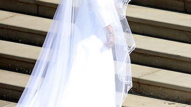 Herzogin Meghan: So günstig kann ihr Brautkleid gekauft werden! - Foto: Getty Images