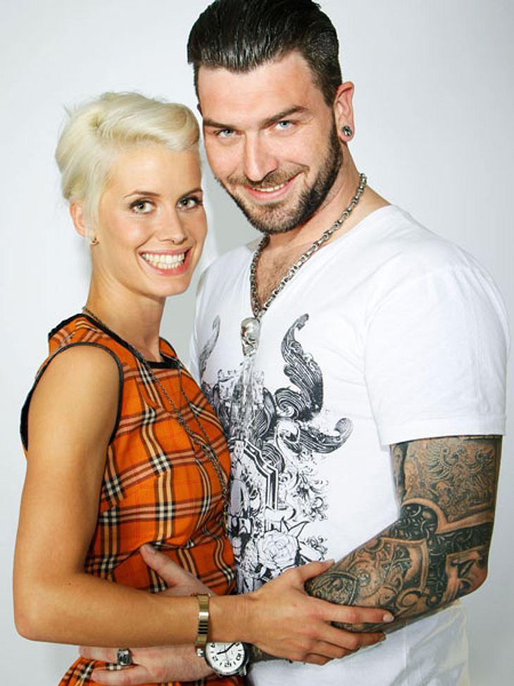 """Die Neu-Kölnerin Meike Weber und der """"Kunstbar""""-Besitzer Alex Kowalski sind nicht nur frisch verliebt, auch in Sachen Styling sind sich die zwei einig. Sie tragen den Rockabilly-Look!"""