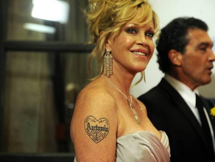 2009 erkrankte Melanie Griffith an Haut-Krebs. Das geschwür wurde aber früh erkannt und konnte restlos entfernt werden.
