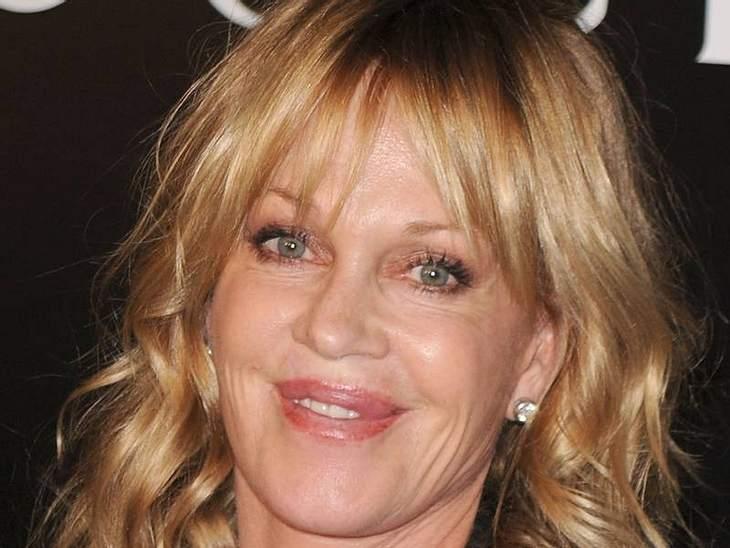 Lippen aufspritzen: Star-Schnuten vom Schönheits-DocDie Mutter aller Wurst-Lippen ist  Melanie Griffith. Ihre Schnute sieht auch schon sehr mitgenommen aus.