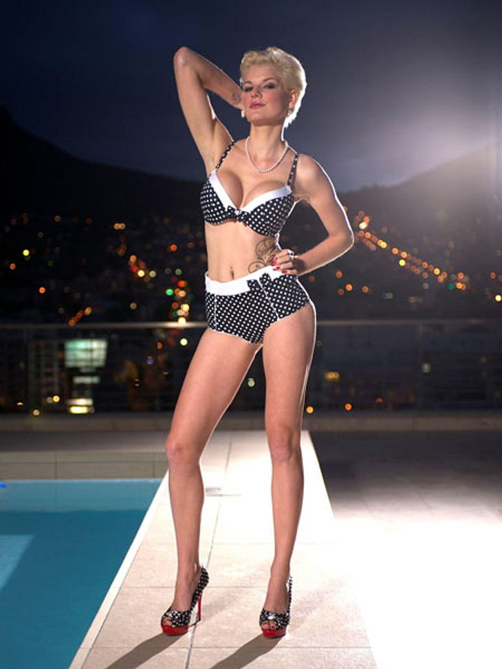 """""""Bachelor 2013"""": Bikini-Rätsel der Kandidatinnen - Wer ist das Playmate?Die 24-Jährige ist viel unterwegs und wohnt wahlweise bei ihren Eltern in Grimma, in ihrer eigenen Wohnung in Leipzig oder in einer WG auf Mallorca."""