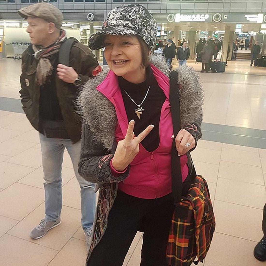 Dschungelcamp 2017: Frl. Menke am Flughafen