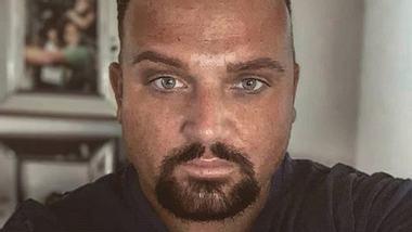 Menowin Fröhlich: Seitenhieb gegen Michael Wendler - Foto: Instagram/@menowin_official