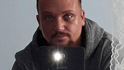 Menowin Fröhlich: DSDS-Star hat einen neuen Look!  - Foto: Facebook.com / Menowin Fröhlich