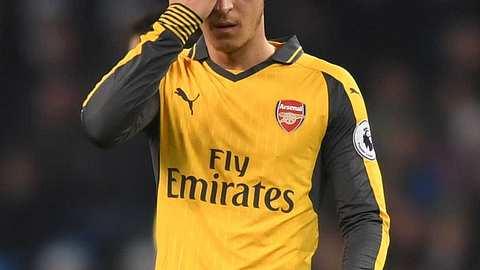 Mesut Özil packt aus: Sein Buch Die Magie des Spiels wird nicht jedem gefallen! - Foto: Getty Images