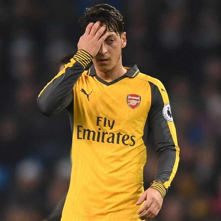 """Mesut Özil packt aus: Sein Buch """"Die Magie des Spiels"""" wird nicht jedem gefallen!"""