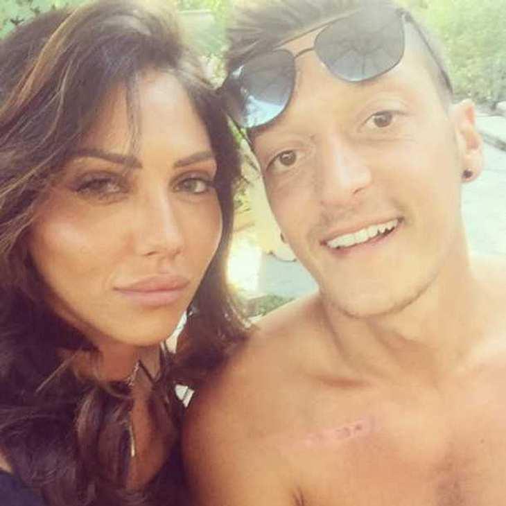Mesut Özil: Hat er Mandy Grace Capristo gegen das Model Danielle Lahav getauscht?