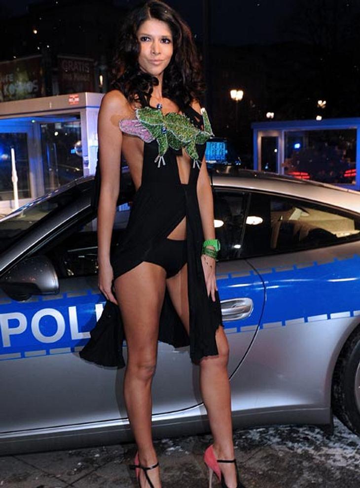 Zum Anbeißen! Die Nacktliebhaberin während der Berlinale 2012.