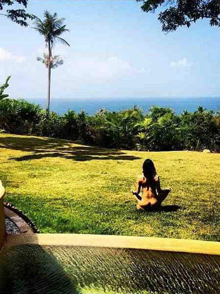 Michelle Rodriguez: Nackt-Meditation in Thailand!