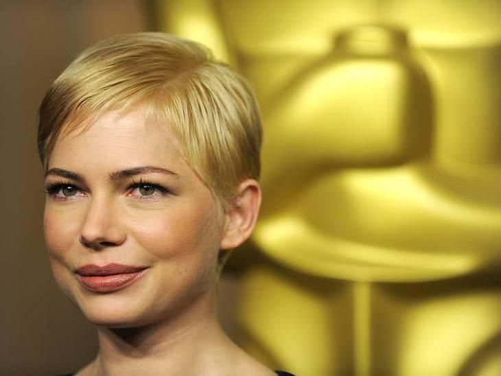 Die Trend-Frisuren der StarsDer  Oscar-Look 2011:  Michelle Williams ist für einen Oscar als beste Hauptdarstellerin nominiert und hat ihr Haar noch einmal ordentlich nachkürzen lassen. Zauberhaft!