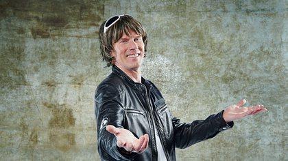 Mickie Krause tritt nie ohne seine Perücke auf - Foto: TVNOW / Stefan Gregorowius