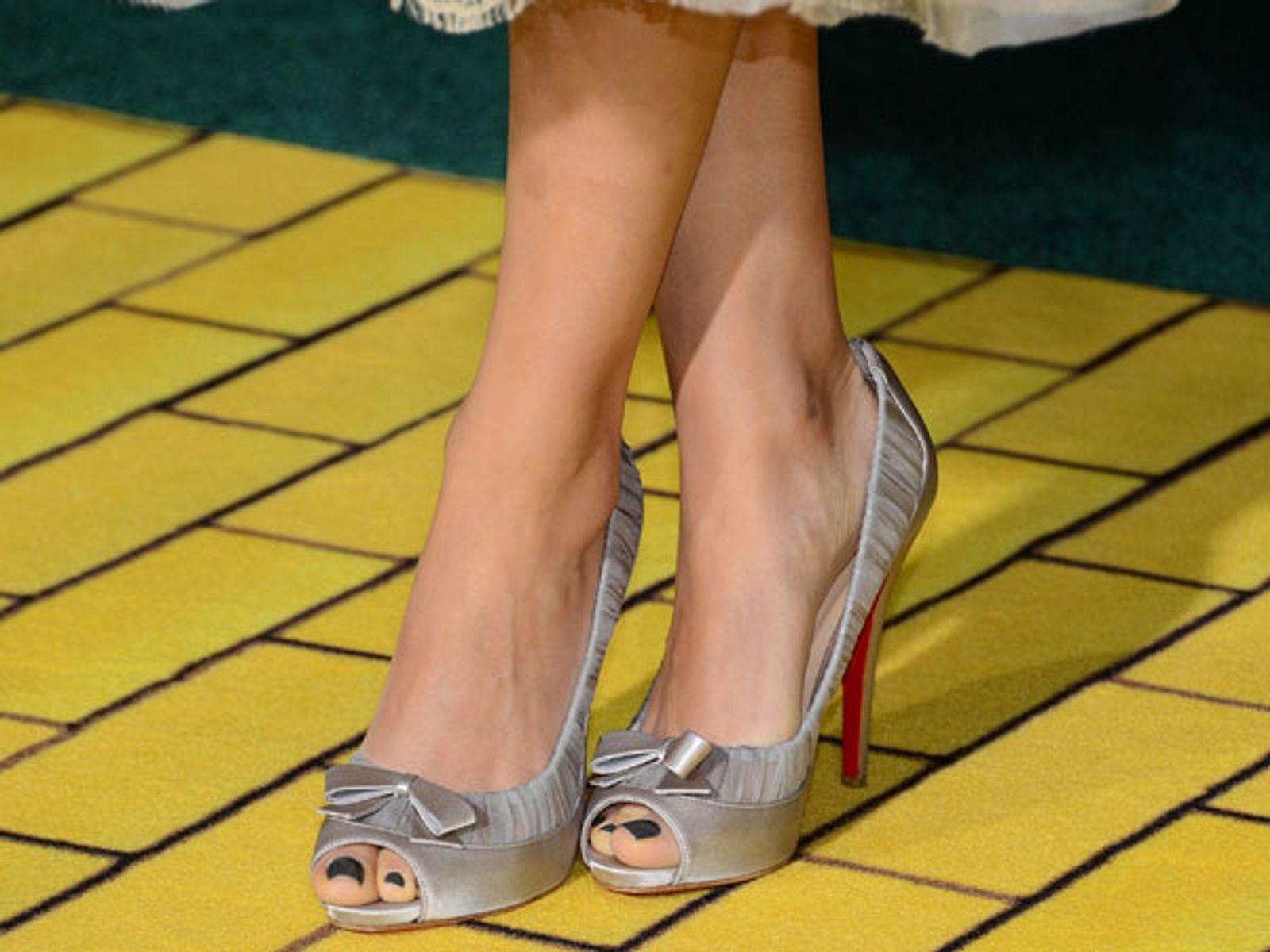 Stars: Zeigt her eure Füße! | InTouch