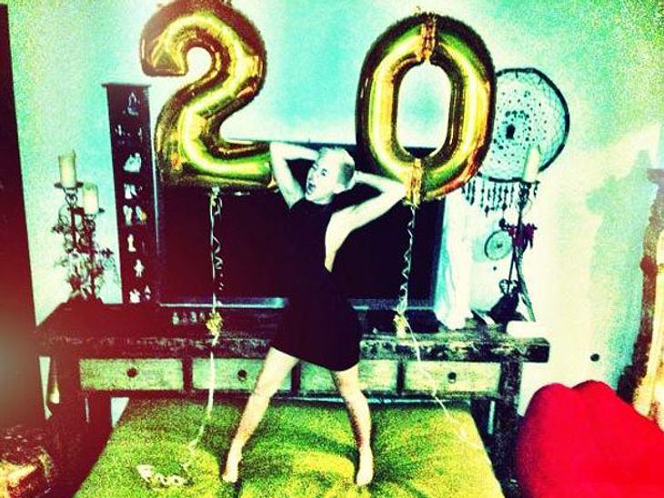 Happy birthday, Miley Cyrus! Die Schauspielerin ist am 23. November 20 Jahre alt geworden - und feierte ihren Ehrentag im großen Stil und mit XXL-Deko...