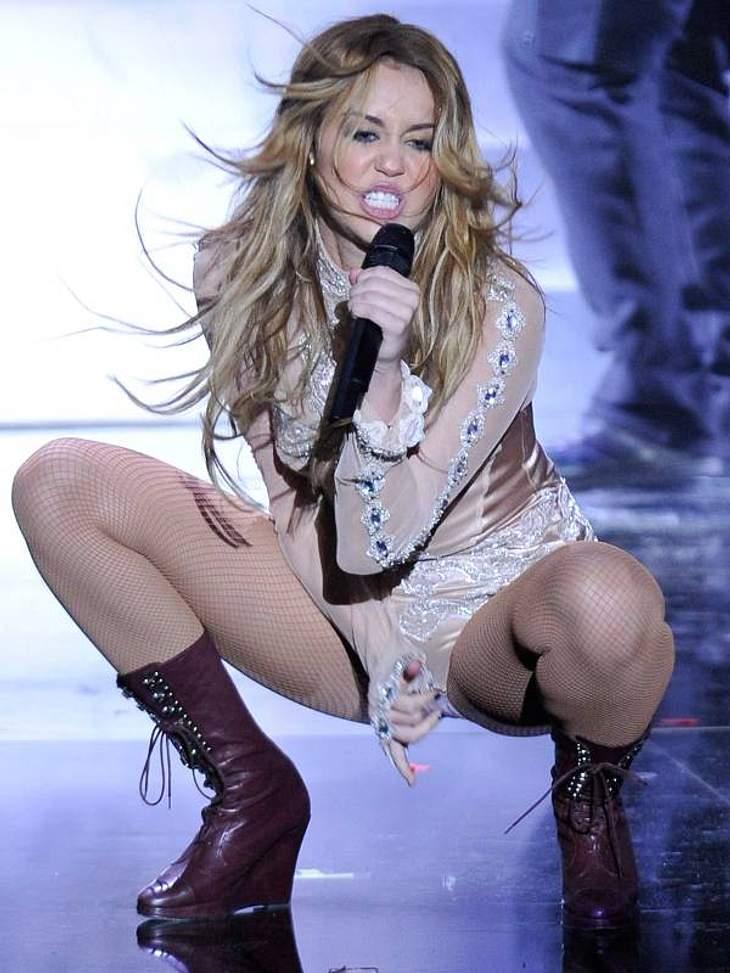 """Noch am selben Tag trat sie bei den """"European Music Awards"""" in Madrid auf."""