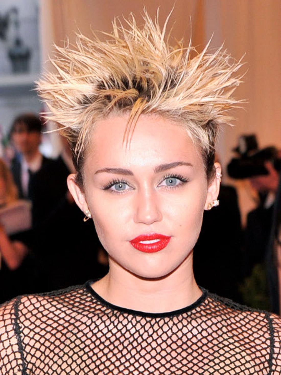 Miley Cyrus glaubt, einen Geist gesehen zu haben.