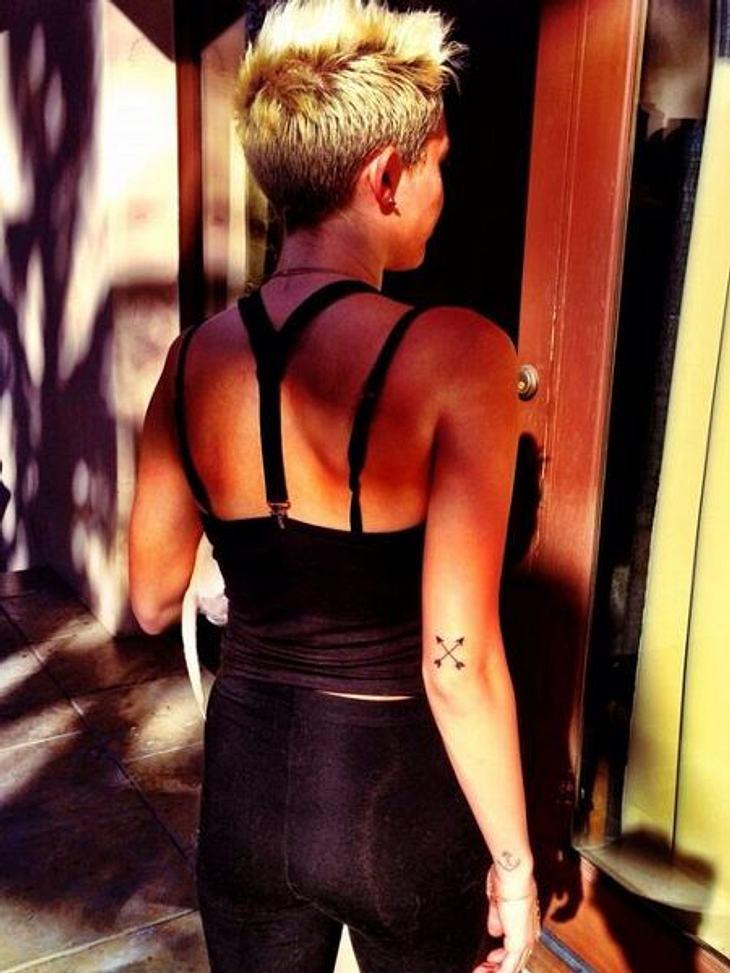 Miley Cyrus und ihr neues Pfeil-Tattoo