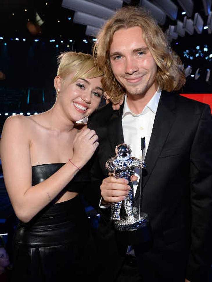 Miley Cyrus und ihr Begleiter Jesse.