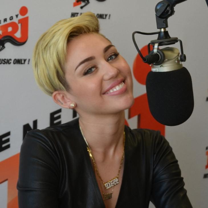 Miley Cyrus plaudert aus dem Nähkästchen