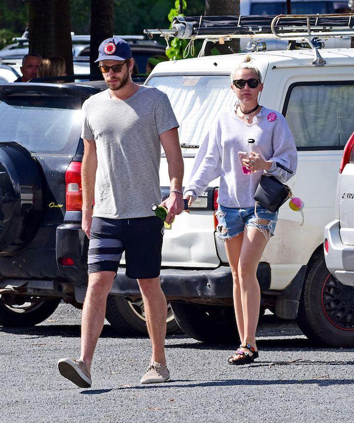 Miley Cyrus & Liam Hemsworth: Romantische Hochzeit am Strand?