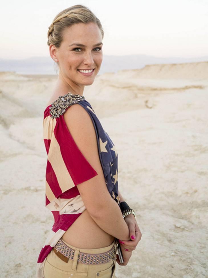 """""""Million Dollar Shootingstar"""": Die KandidatenBar Refaeli gehört zu den bestbezahlten Models der Welt. Die in Israel geborene Ex-Freundin von Leonardo DiCaprio zierte 2009 das Cover der Swimsuit Issue der """"Sports Illustrated&q"""