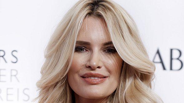 Was ist bloß mit ihrem Gesicht passiert?