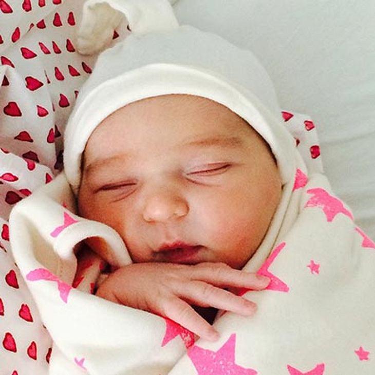 Scarlett May hat ihren ersten öffentlichen Auftritt bei Mama auf Instagram